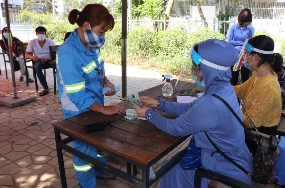 Đẩy nhanh việc mua và tổ chức tốt việc tiêm vắc xin cho đoàn viên, công nhân viên chức lao động