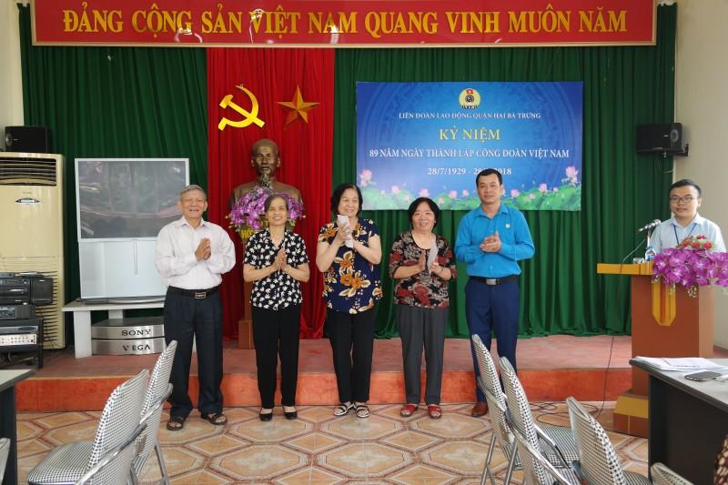 LĐLĐ quận Hai Bà Trưng gặp mặt cán bộ công đoàn qua các thời kỳ