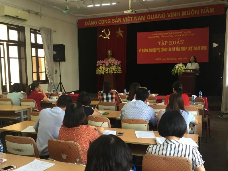 120 cán bộ công đoàn được tập huấn nghiệp vụ tư vấn pháp luật