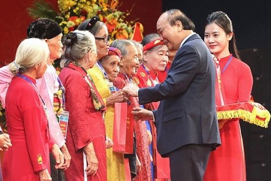 Gặp mặt đại biểu Bà mẹ Việt Nam Anh hùng toàn quốc năm 2020