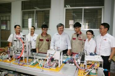 Phấn đấu để các thí sinh đạt thành tích cao tại Kỳ thi tay nghề ASEAN lần thứ 12