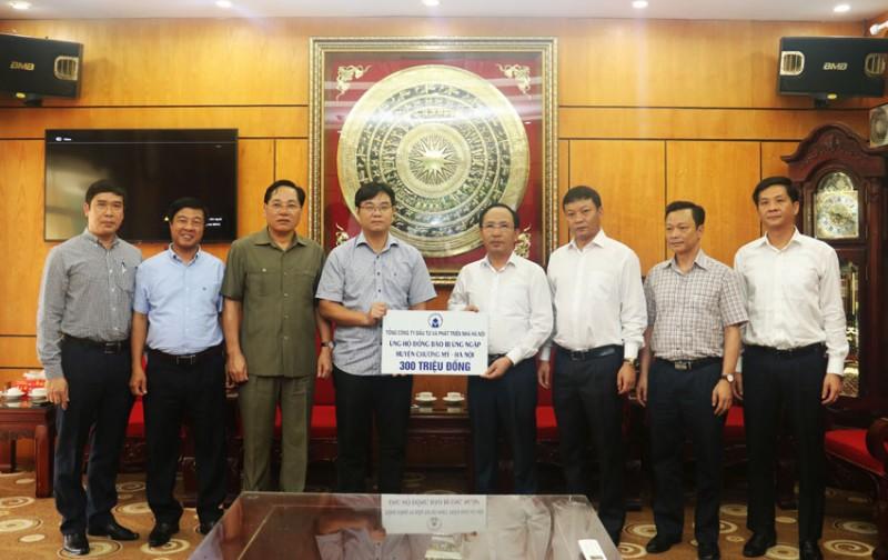 700 triệu đồng ủng hộ đồng bào vùng úng ngập thành phố Hà Nội