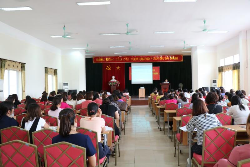 LĐLĐ quận Hoàng Mai tập huấn nghiệp vụ công tác cho cán bộ công đoàn