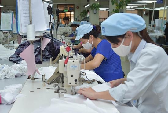 May thời trang là ngành có nhu cầu tuyển dụng nhiều nhất