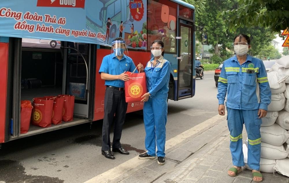 Công đoàn Thủ đô tiếp tục hỗ trợ khẩn cấp cho đoàn viên, người lao động