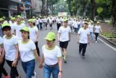 CNVCLĐ quận Hoàng Mai đi bộ hưởng ứng ngày tim mạch thế giới