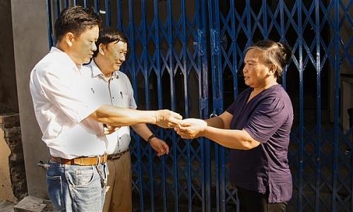 Huyện Gia Lâm: Trao nhà Đại đoàn kết cho người nghèo