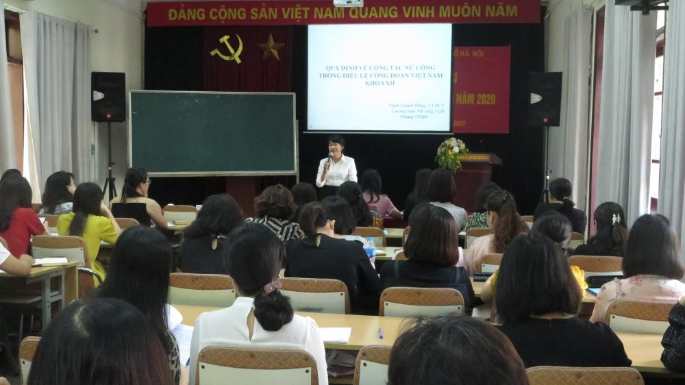 Trang bị nghiệp vụ công tác cho cán bộ nữ công Công đoàn Thủ đô
