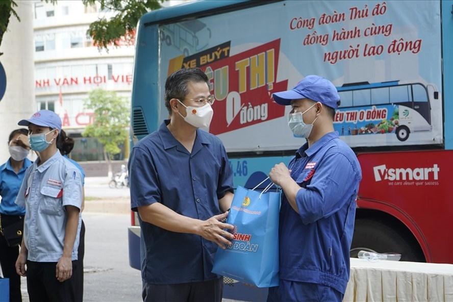 Công đoàn Hà Nội: Nhiều hoạt động hỗ trợ khẩn cấp cho đoàn viên, người lao động