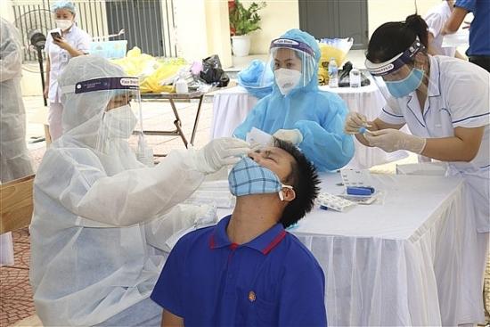 Tỷ lệ tiêm vắc xin phòng Covid-19 của huyện Gia Lâm đạt xấp xỉ 100%