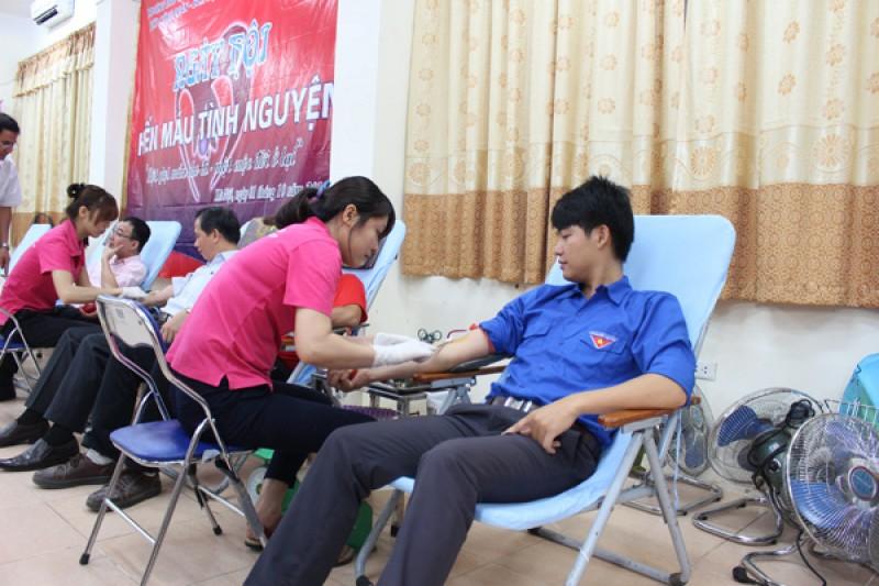 """Ngày hội """"Hiến máu tình nguyện"""" Trường Đào tạo cán bộ Lê Hồng Phong"""