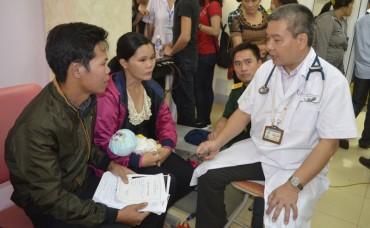 Hơn 1500 trẻ em được khám sàng lọc bệnh tim miễn phí ở Hà Tĩnh