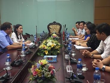 Chủ tịch LĐLĐ Thành phố Nguyễn Thị Tuyến tiếp Tổng Thư ký Công đoàn ngành Giao thông vận tải Anh