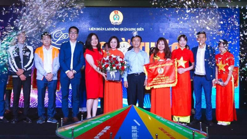 """Sôi nổi  liên hoan """"Giờ thứ 9"""" trong CNVCLĐ quận Long Biên"""