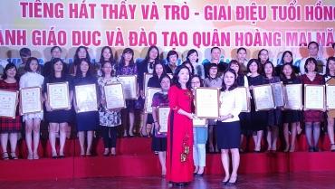 Tưng bừng hội diễn văn nghệ tiếng hát thầy và trò quận Hoàng Mai