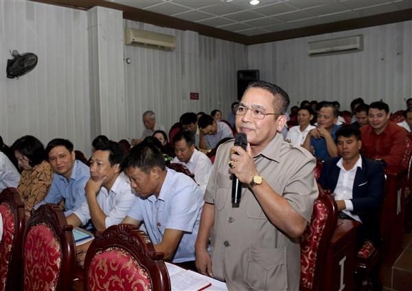 Người đứng đầu cấp ủy, chính quyền trực tiếp đối thoại với Mặt trận tổ quốc, các tổ chức chính trị- xã hội và nhân dân.