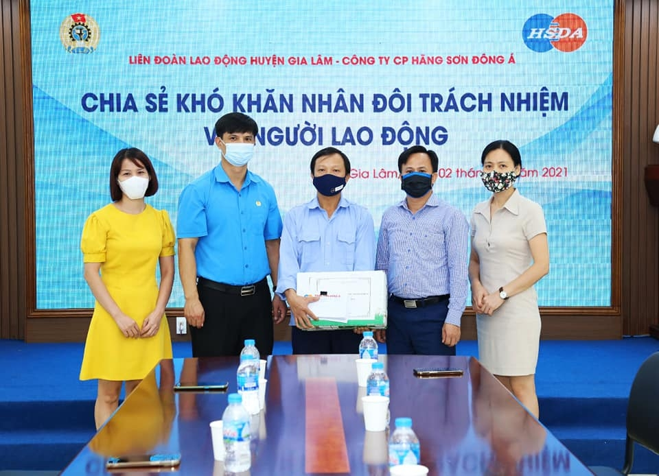 Liên đoàn Lao động huyện Gia Lâm đồng hành với doanh nghiệp chăm lo, hỗ trợ người lao động