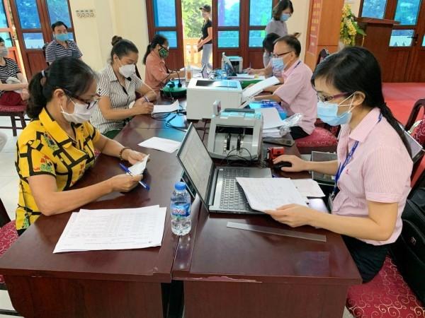 Hà Nội: Gần 2.000 tỷ đồng hỗ trợ các đối tượng khó khăn, bị ảnh hưởng dịch Covid-19