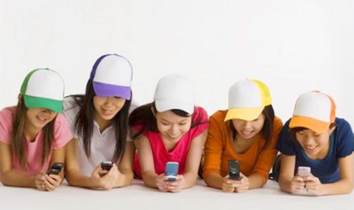 Giới trẻ Việt dành hơn 15 giờ/tuần cho điện thoại