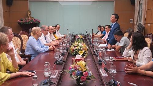 Phó Chủ tịch LĐLĐ TP Hà Nội tiếp đoàn đại biểu Công đoàn ngành Xây dựng và Công nghiệp sản xuất Vật liệu Xây dựng TP Minks