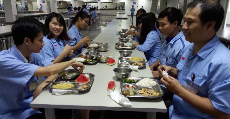 Đảm bảo an toàn chất lượng thực phẩm phục vụ công nhân