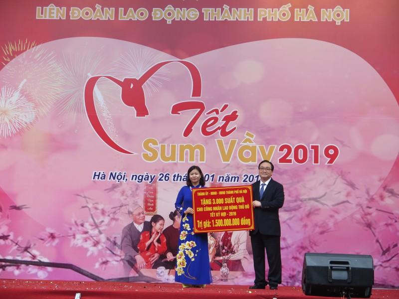 Hà Nội:  Gần 860 ngàn người nghèo, đối tượng chính sách được tặng quà  dịp Tết Nguyên đán Canh Tý