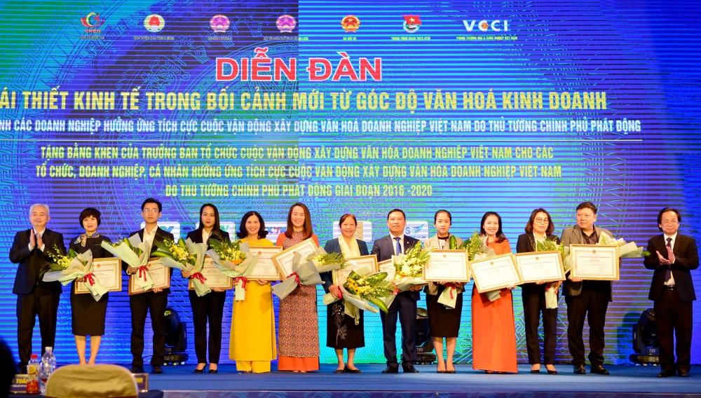 Viettel được vinh danh là doanh nghiệp có thành tích xuất sắc trong xây dựng và thực hành văn hóa doanh nghiệp