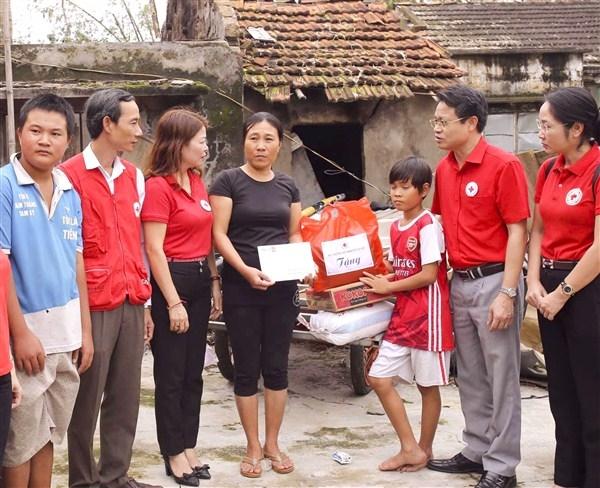 Hội Chữ thập đỏ huyện Gia Lâm tiếp nhận gần 2 tỷ đồng ủng hộ đồng bào miền Trung