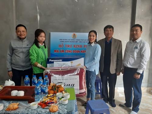 Công đoàn ngành Dệt-May Hà Nội hỗ trợ Mái ấm Công đoàn cho đoàn viên