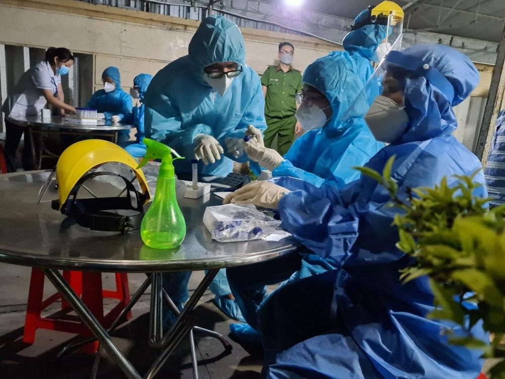 Bệnh nhân mắc Covid-19 chết trên đường chuyển viện: Từng đi khám ở phòng khám tư