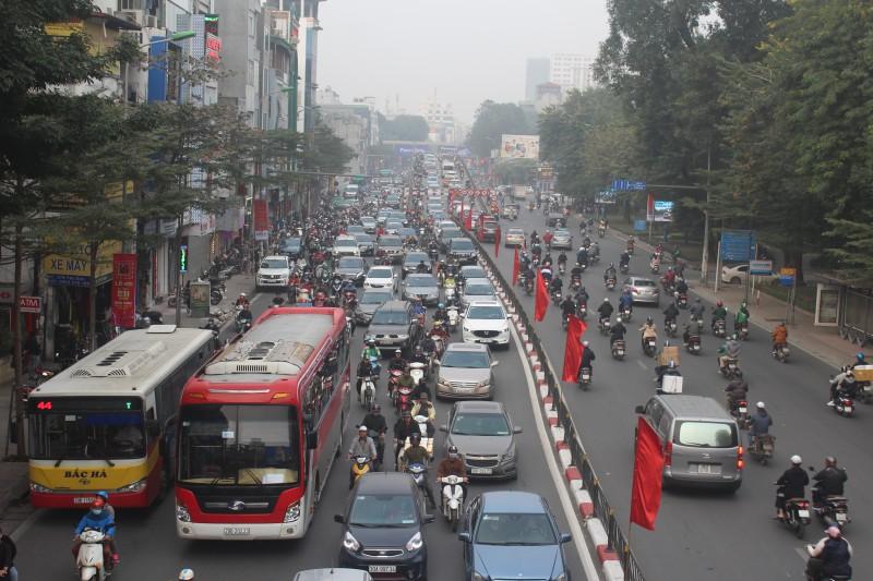 Hiệp hội Vận tải Hà Nội kiến nghị cho xe buýt, taxi sớm hoạt động trở lại
