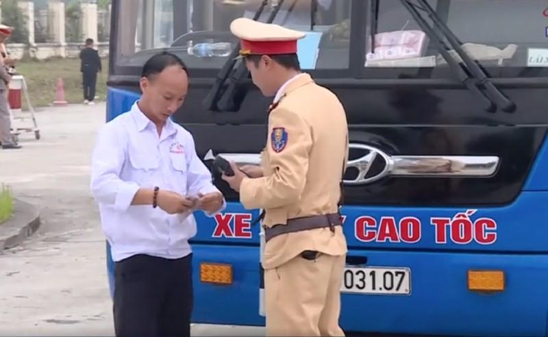 Ngày Tết, Cảnh sát giao thông vẫn xử nghiêm 'ma men'
