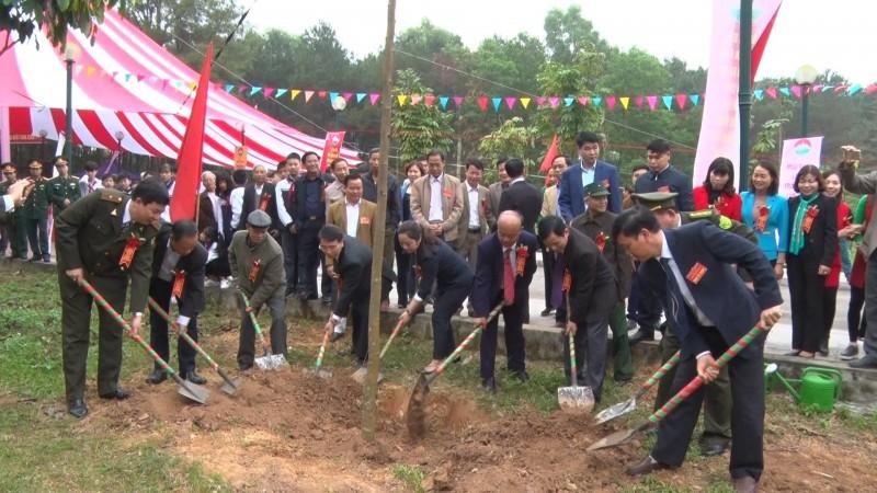 Huyện Ba Vì phát động Tết trồng cây xuân Kỷ Hợi