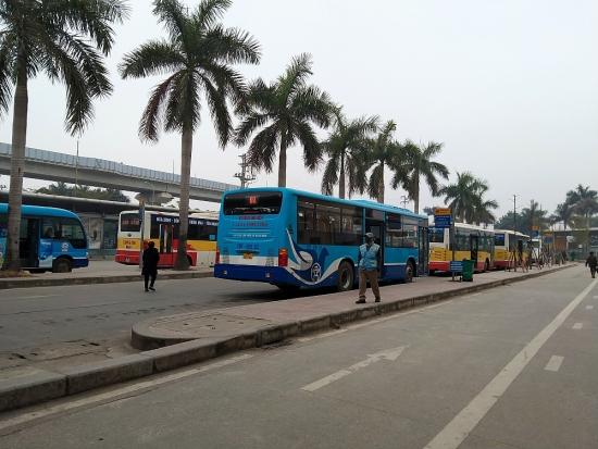 Buýt Hà Nội tăng tần suất phục vụ nhu cầu đi lại của hành khách trong kỳ nghỉ lễ