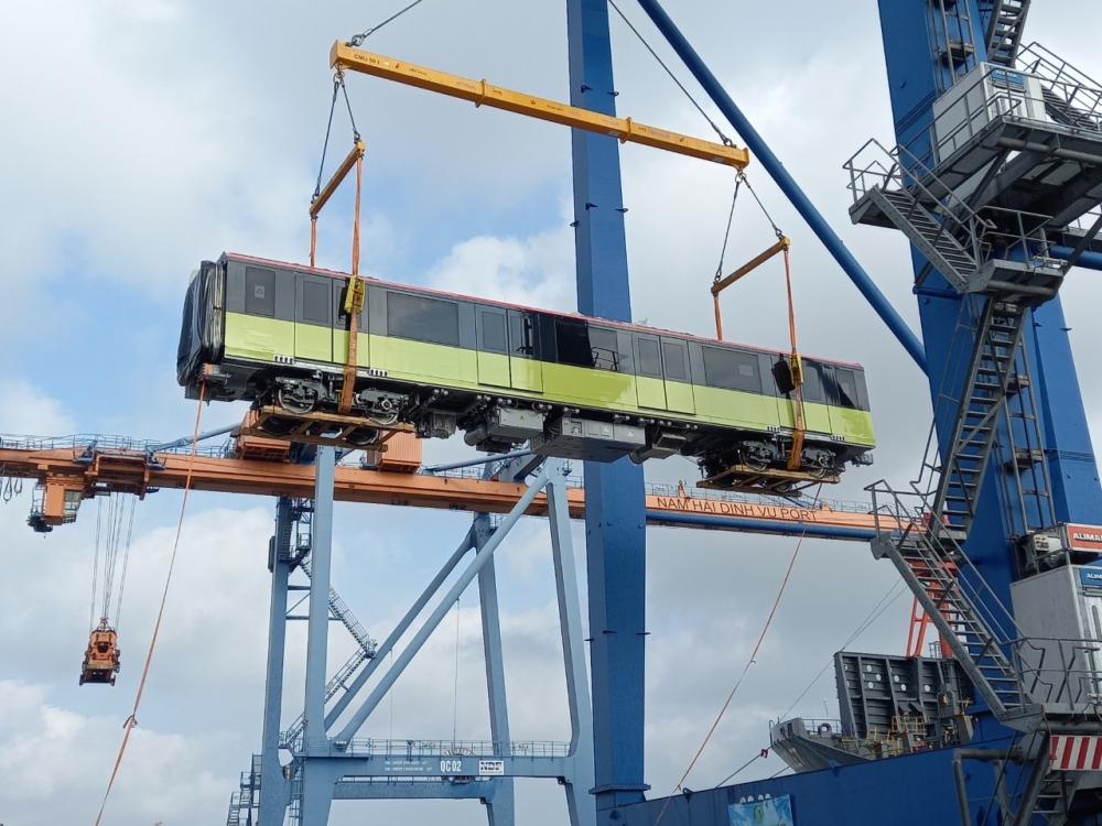 Sắp có thêm đoàn tàu thứ ba tuyến đường sắt Nhổn-Ga Hà Nội