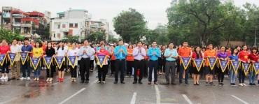 LĐLĐ Thị xã Sơn Tây phát động Tháng công nhân 2018