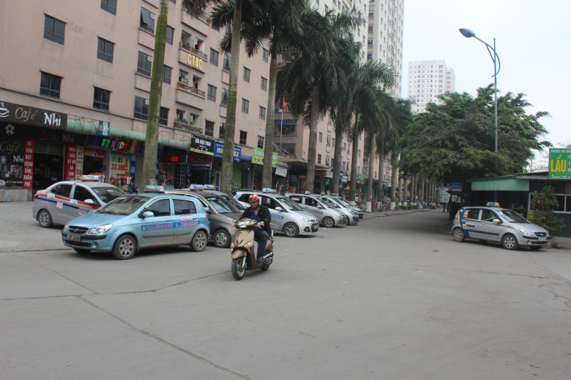 nhieu vi pham trong kinh doanh van tai hanh khach bang taxi
