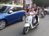 Hà Nội đẩy mạnh tuyên truyền về đội mũ bảo hiểm