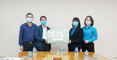 LĐLĐ thị xã Sơn Tây: Hướng về cơ sở, chung tay phòng chống dịch Covid-19