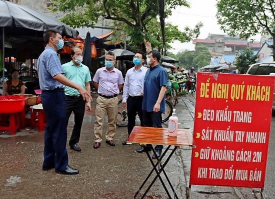 Kiểm tra công tác phòng, chống dịch Covid-19 tại thị xã Sơn Tây