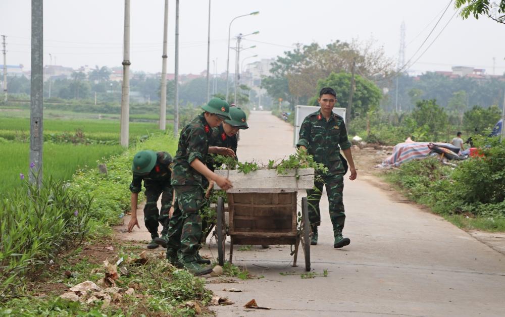 Sơn Tây ra quân vệ sinh môi trường chào mừng bầu cử