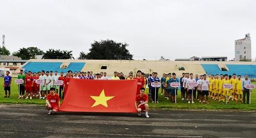 Khởi tranh giải bóng đá CNVCLĐ thị xã Sơn Tây lần thứ Nhất