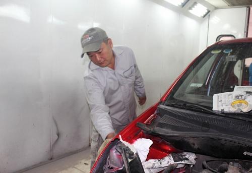 Hoàng Trọng Tởi: Người thợ sơn say nghề làm đẹp cho 'xế hộp'