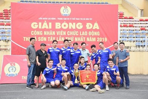 Bế mạc Giải bóng đá CNVCLĐ thị xã Sơn Tây