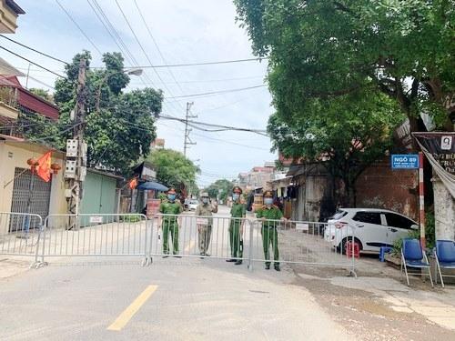 Cấm đường, phân luồng trục 416 thị xã Sơn Tây để phòng, chống dịch Covid-19