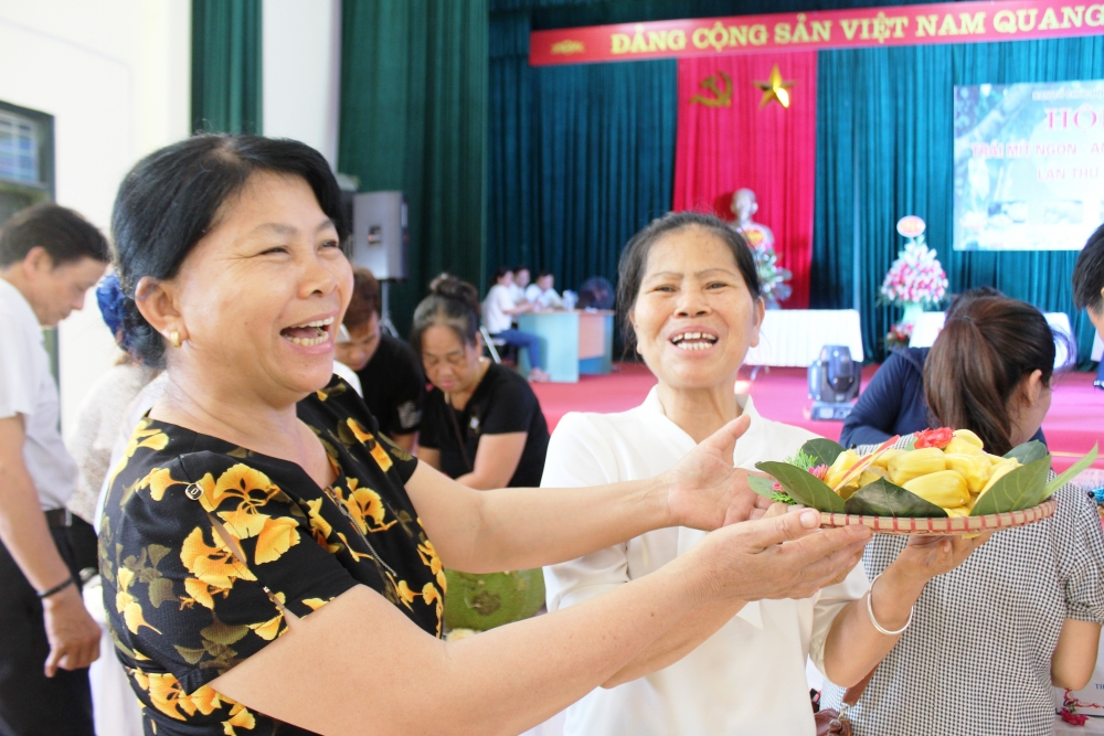 Hào hứng tham gia Hội thi tìm trái mít ngon ở Sơn Đông