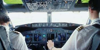 Phi công phải qua nhiều quy trình nghiêm ngặt