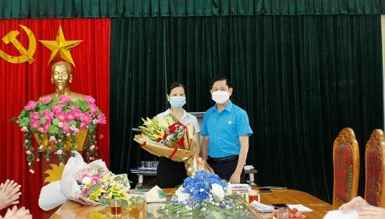 Công bố quyết định bổ nhiệm Phó Chủ tịch Liên đoàn Lao động thị xã Sơn Tây