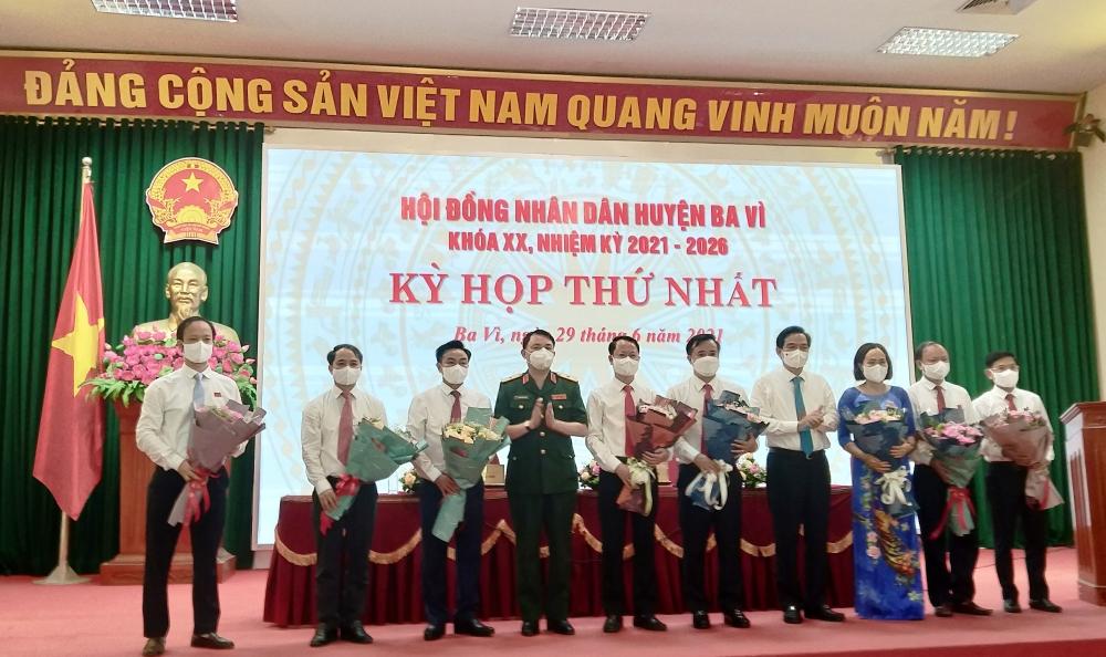 Ông Đỗ Mạnh Hưng đắc cử chức danh Chủ tịch Ủy ban nhân dân huyện Ba Vì