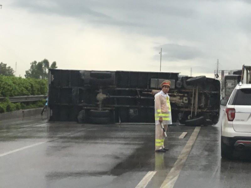Tai nạn giao thông giảm cả 3 tiêu chí nhưng số người chết vẫn cao